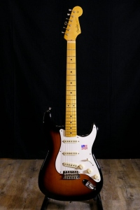 FENDER STRATOCASTER ERIC JOHNSON MAPLE NECK 2 COLORS SUNBURST