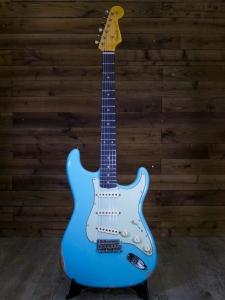 FENDER 1960 STRATOCASTER RELIC AGED DAPHNE BLUE