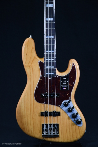 FENDER AMERICAN ULTRA JAZZ BASS AGED NATURAL 0