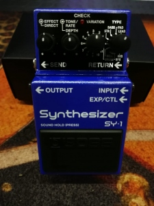 BOSS SY-1 SYNTHESIZER  PEDALE EFFETTO