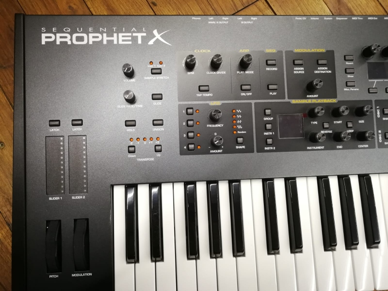 DAVE SMITH INSTRUMENT SEQUENTIAL PROPHET X 2