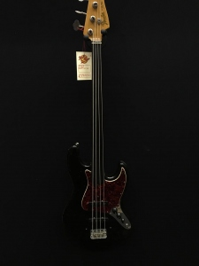 Fender Jazz 65 Fretless Refinished Usato