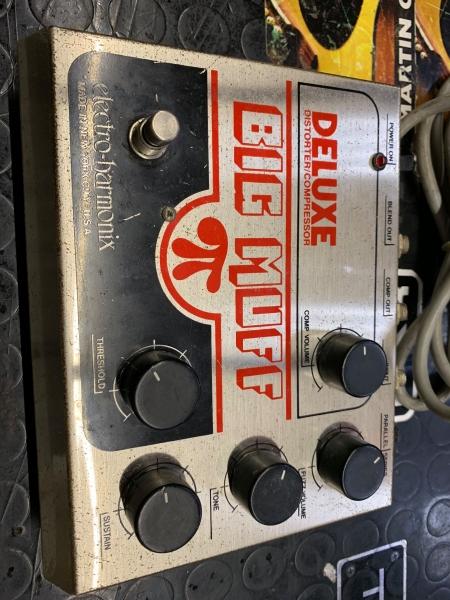 ELECTRO HARMONIX DELUXE BIG MUFF DISTORSORE/COMPRESSORE usato 0