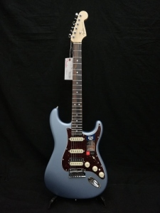 FENDER AMERICAN ELITE STRATOCASTER HSS SHAWBUCKER ICE BLUE METALLIC