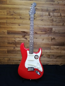 FENDER LIMITED EDITION AMERICAN STANDARD STRATOCASTER WITH ROSEWOOD NECK