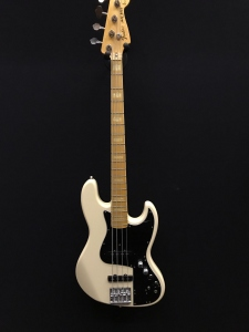 Fender Jazz Marcus Miller made in Japan Usato