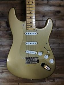 Fender 57 Stratocaster C.Shop prima serie Trigold usata