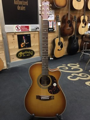 MATON EBG808 NASHVILLE ACOUSTIC ELECTRIC CUTAWAY