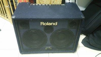 ROLAND KC880 (EX DEMO)