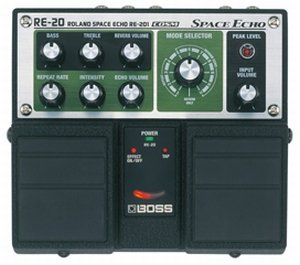 BOSS RE-20 SPACE ECHO PEDALE EFFETTO