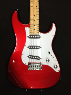 SCHECTER TRADITIONAL T-RED