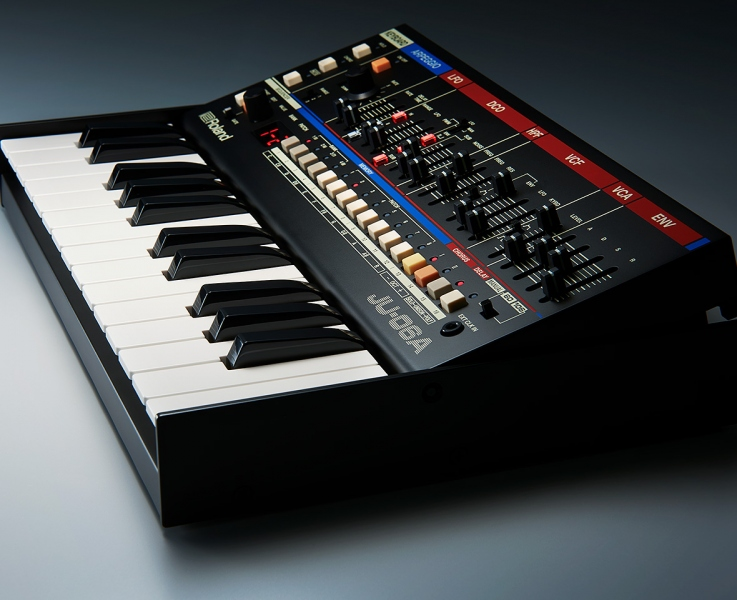 ROLAND JU06A BOUTIQUE LIMITED EDITION MODULO SONORO 2