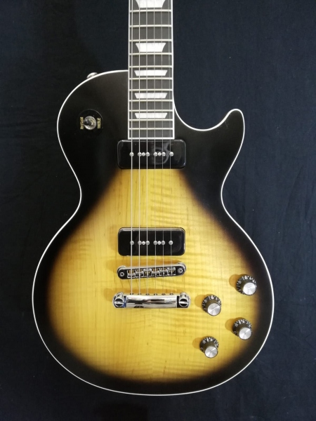 GIBSON 2018 LES PAUL CLASSIC PLAYER PLUS LIMITED EDITION SATIN VINTAGE SUNBURST 1