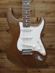 Fender Stratocaster Eric Johnson sig. palomino metallic usata