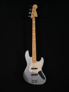 Fender Jazz Custom Shop Classic Ice Blue Metallic Basso Elettrico Usato