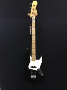 Fender Jazz 1981 Usato