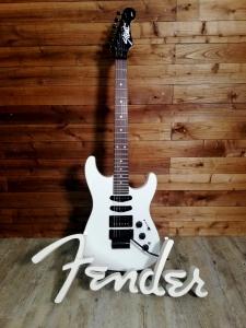 Fender Limited Edition Heavy Metal Strat Bright White Chitarra Elettrica