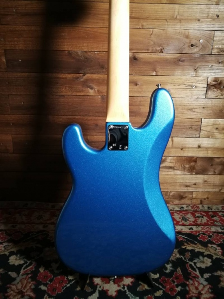 FENDER AMERICAN ORIGINAL 60S PRECISON BASS LAKE PLACID BLUE 2